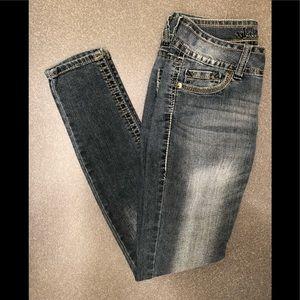 Wallflower Skinny Jeans medium sandblast color